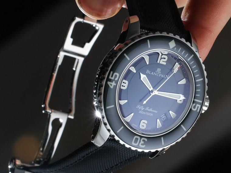 宝珀手表回收价格查询
