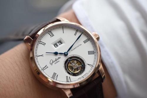 陀飞轮手表回收